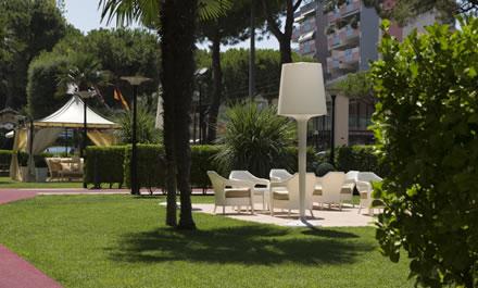 Albergo 4 Stelle con Giardino Rimini