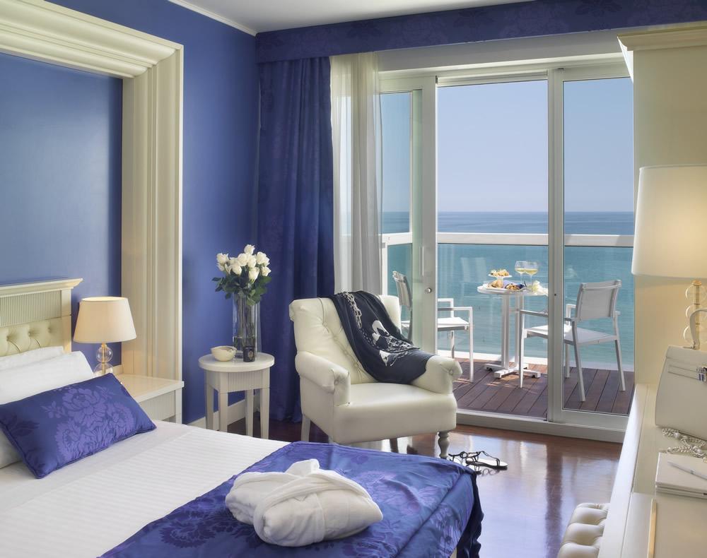 Conosciuto Hotel Tiffany's in Riccione: a new design concept - Maximilian's  NS15