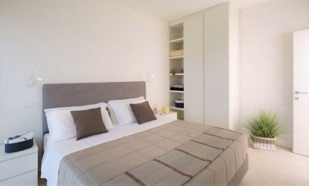 white suite riccione camera letto